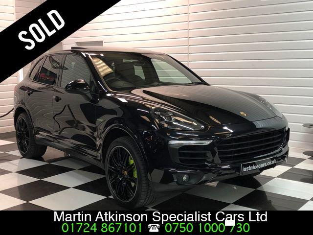 Porsche Cayenne 3.0 S Platinum Edition E-Hybrid 5dr Tiptronic S Estate Petrol / Electric Hybrid Jet Black Metallic