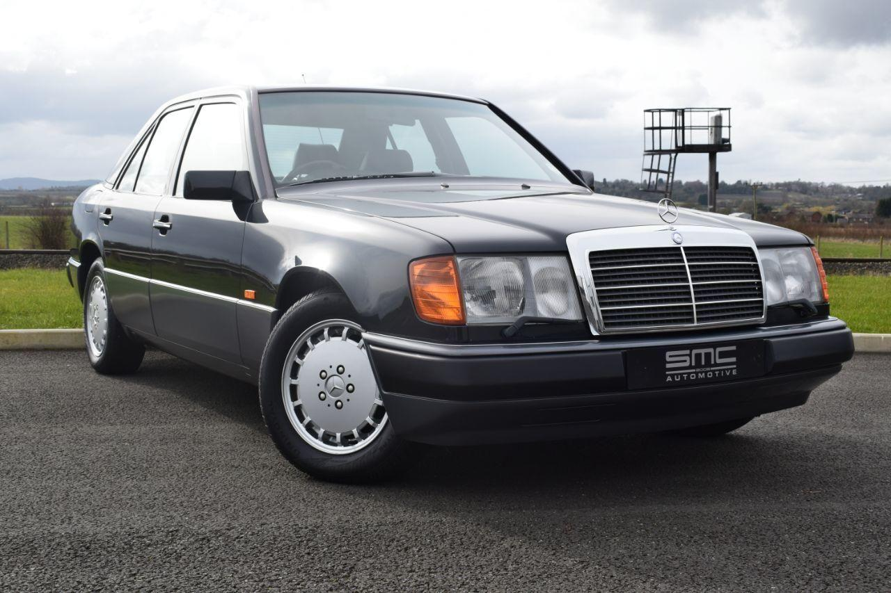 Mercedes-Benz 300 3.0 300EAUTO 2 Owner car with Only 48000 Miles Saloon Petrol Black