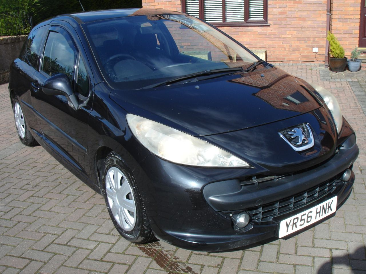 Peugeot 207 1.4 16V Sport 3dr Hatchback Petrol Black at Level Pitch Selby