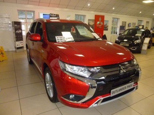 Mitsubishi Outlander 2.4h TwinMotor 13.8kWh Dynamic CVT 4WD (s/s) 5dr SUV Hybrid Red