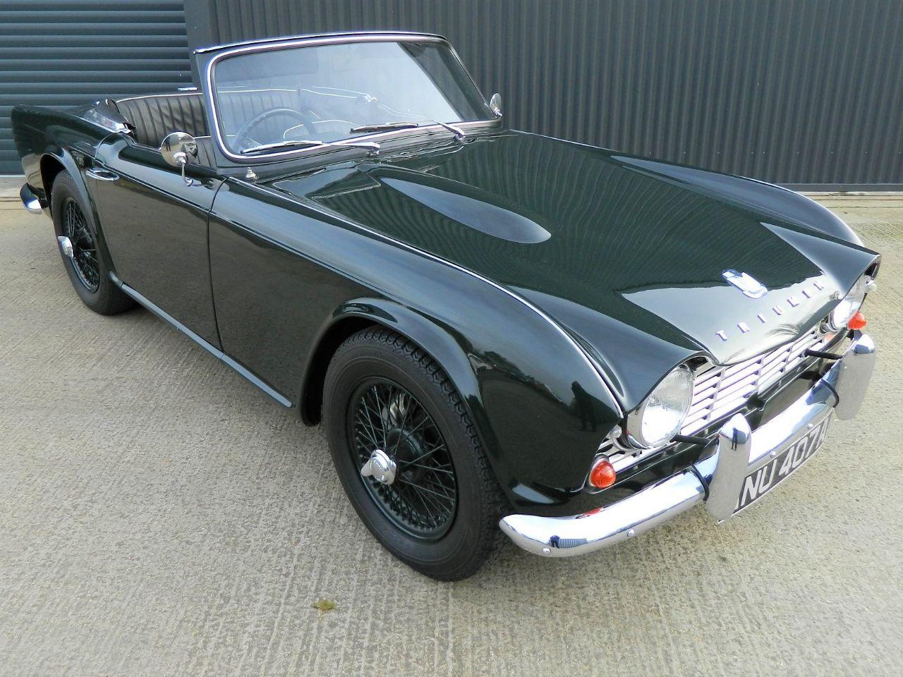 Triumph TR4 2.1 Sports Petrol Triumph Racing Green