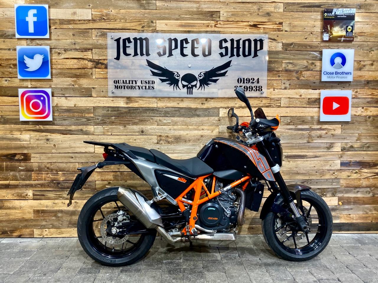 KTM 690 Duke 0.7 690 DUKE 14 Naked Petrol Black