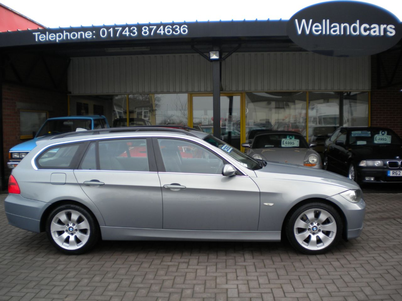 BMW 3 Series 3.0 330d SE 5dr 6 Speed Manual, F/S/H, Panoramic Sunroof, Full Leather, i Drive with Navigation Estate Diesel Artis Grey Metallic at Welland Cars Shrewsbury