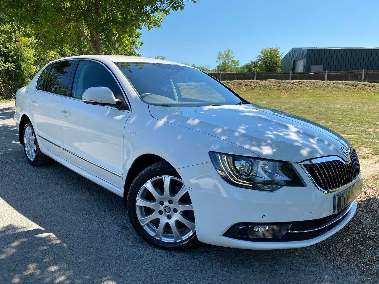 Skoda Superb 2.0 TDI CR 170 Laurin + Klement 4X4 5dr DSG (Heated Rear Seats! Low Miles! ++) Hatchback Diesel Candy White