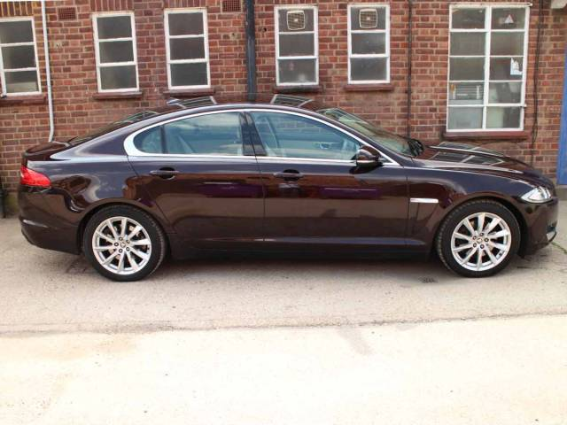 Jaguar XF Jaguar XF 3.0d V6 Saloon Diesel Purple