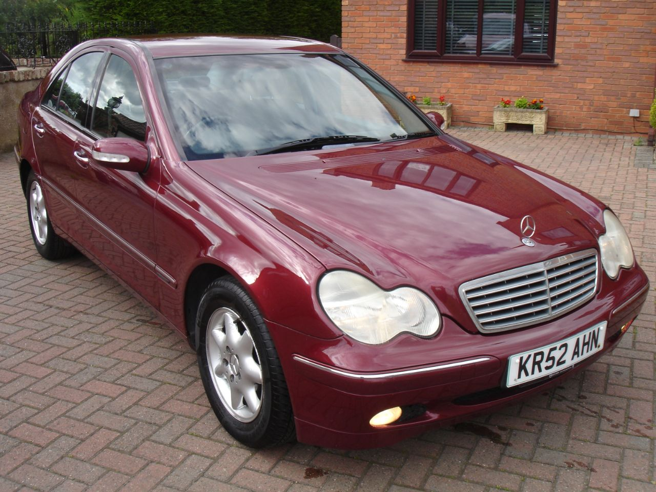 Mercedes-Benz C Class 1.8 C180K Elegance SE 4dr Auto Saloon Petrol Metallic Red at Level Pitch Selby