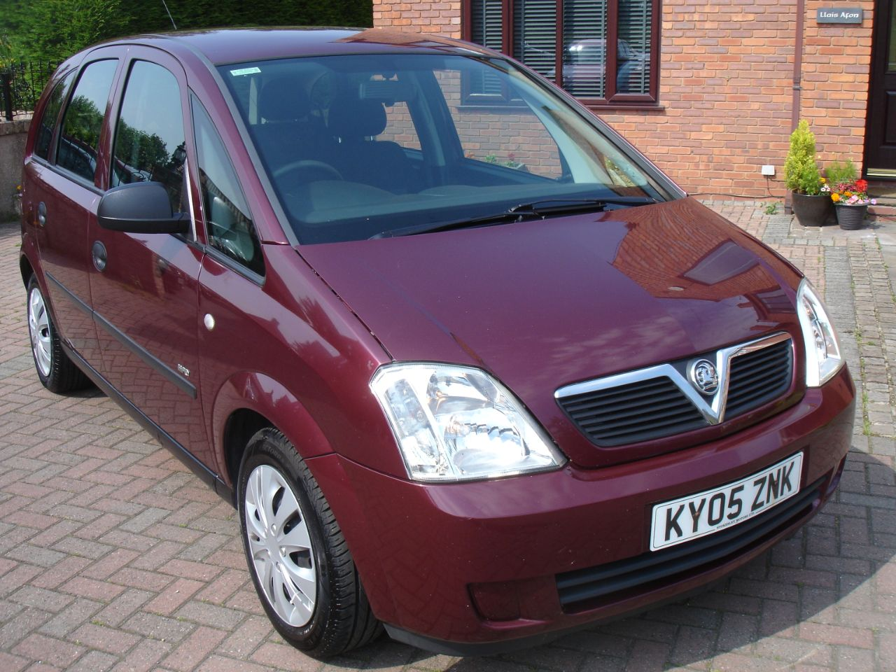 Vauxhall Meriva 1.4 16V Life 5dr MPV Petrol Rubens Red Metallic at Level Pitch Selby
