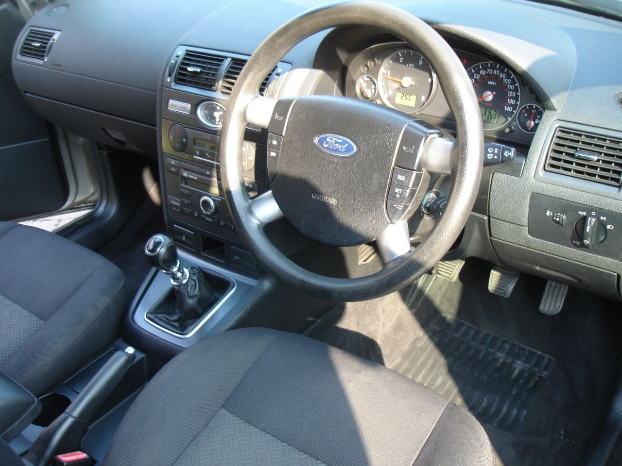 2005 Ford Mondeo 2.0TDCi 130 LX 5dr 6 Speed