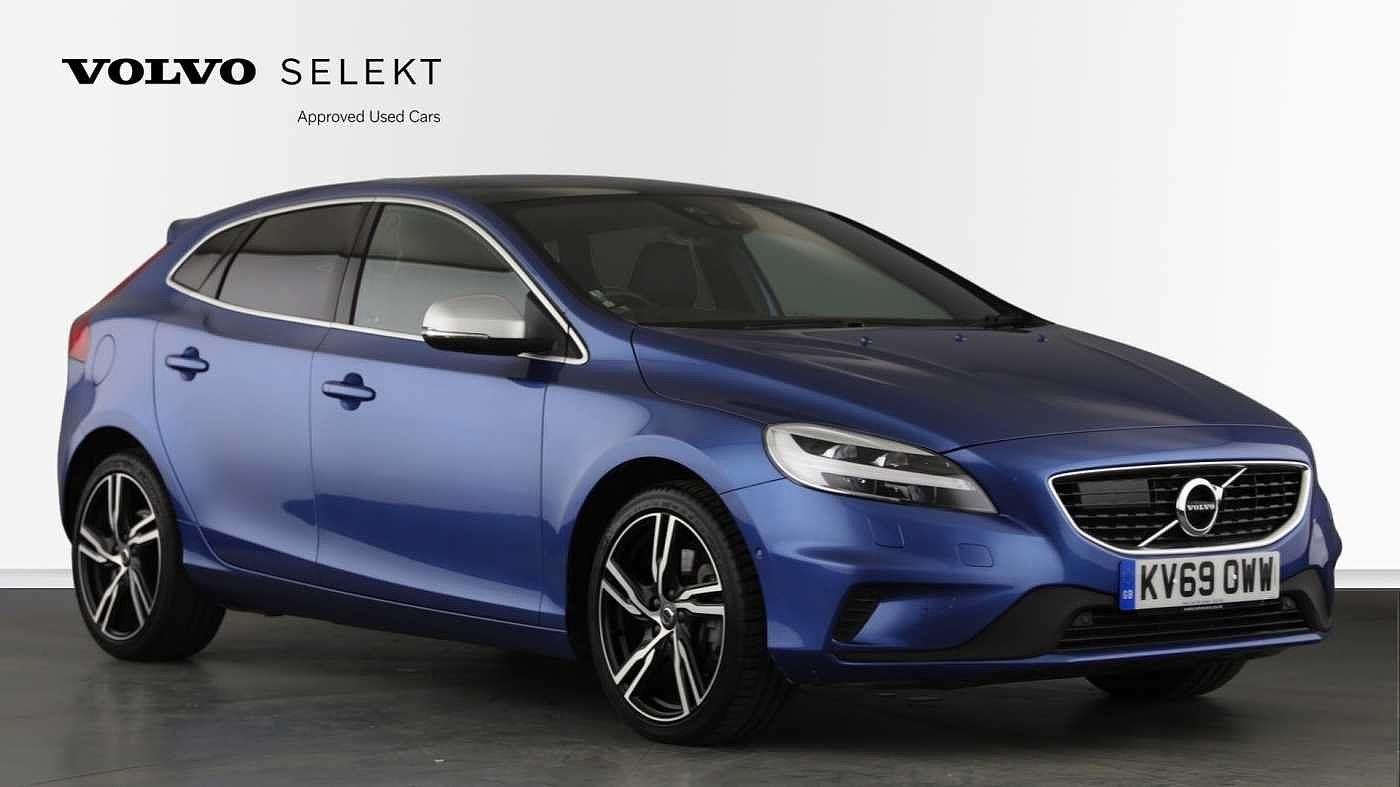 Volvo V40 2.0 D3 R-Design Nav Pro Auto (Panroof, Winter Pack) Hatchback Diesel Bursting Blue