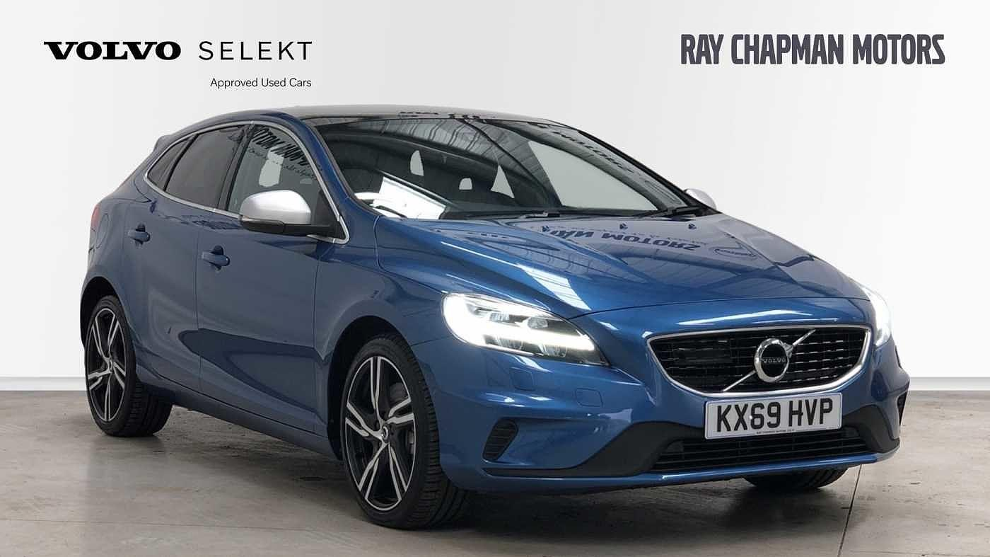 Volvo V40 2.0 D3 R-Design Edition Auto (Xenium, Intellisafe & Winter Packs) Estate Diesel Bursting Blue