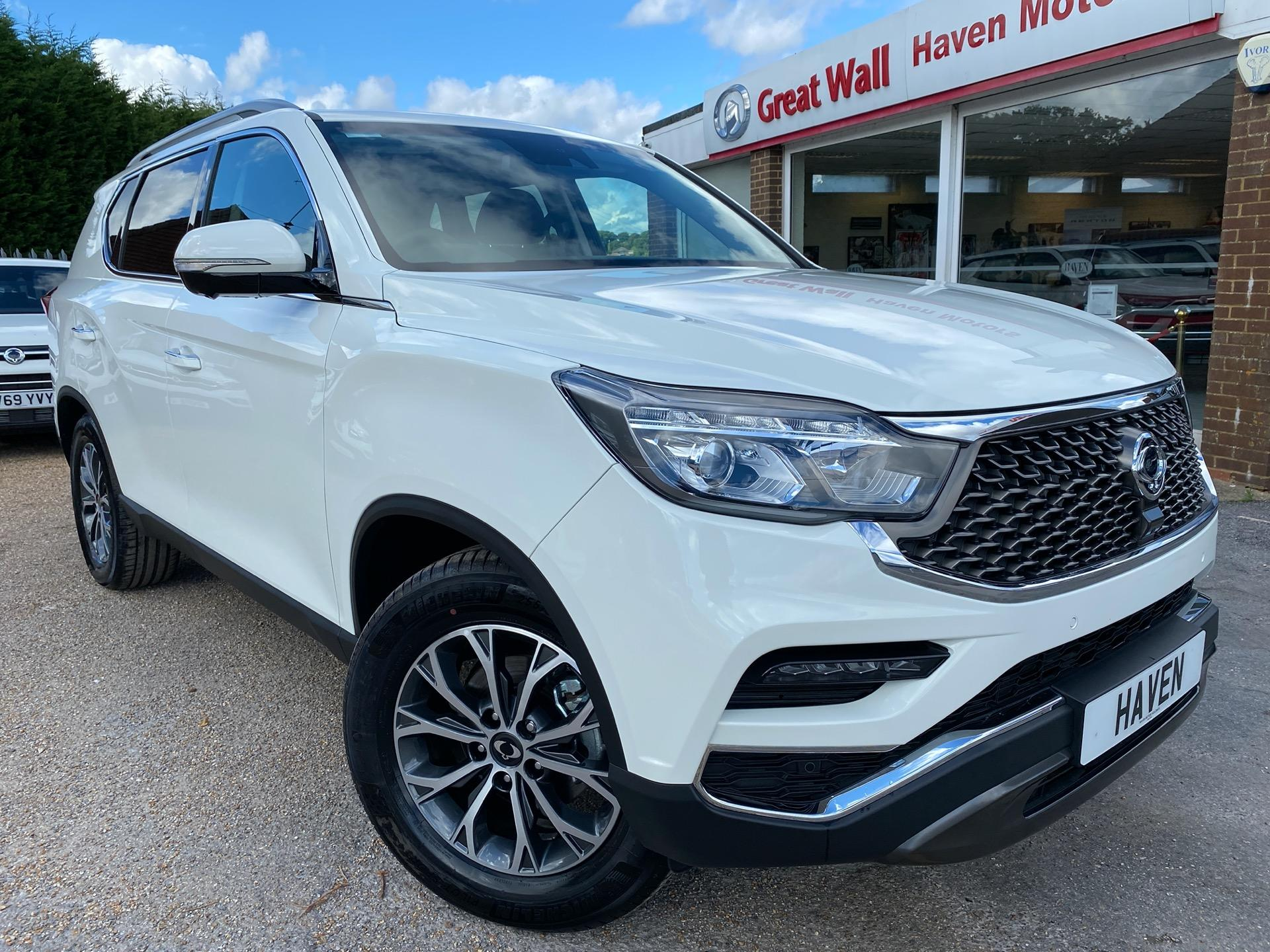 SsangYong Rexton 2.2 ULTIMATE 2020 MODEL Estate Diesel White