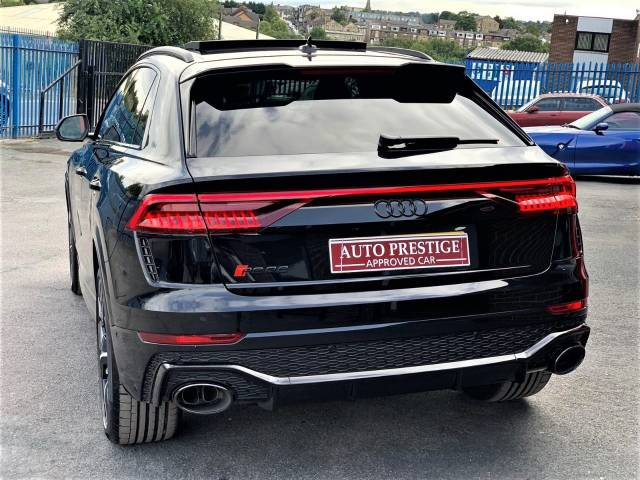 Audi Rs Q8 4.0 RS Q8 TFSI Quattro Vorsprung 5dr Tiptronic RED STITCHED LEATHER AS NEW... Estate Petrol Black
