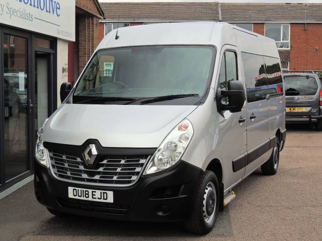 Renault Master 2.3 MM33dCi 170 Business Medium Roof Van Quickshift6 Wheelchair Adapted Diesel Grey Mica