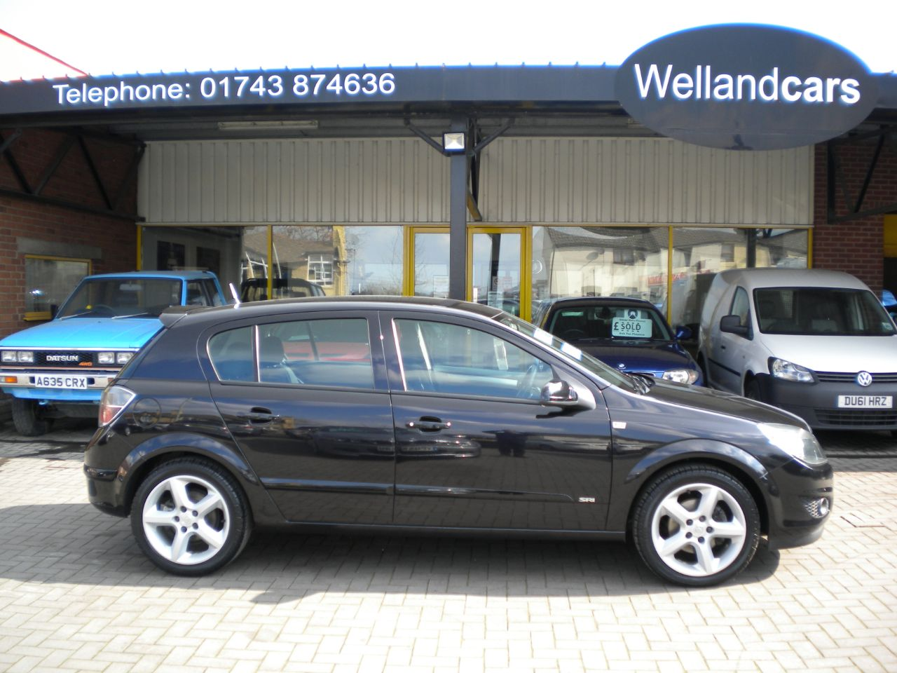 Vauxhall Astra 1.8i VVT SRi 5dr 5 Speed Manual, 1 Previous Owner, F/SH, 18`Alloys,Air Conditioning, Low Miles Hatchback Petrol Black at Welland Cars Shrewsbury