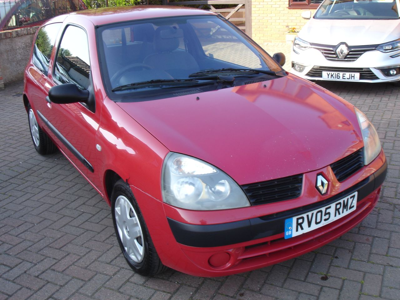 Renault Clio 1.5 dCi 65 Authentique 3dr Hatchback Diesel Many Shades Of Red at Level Pitch Selby