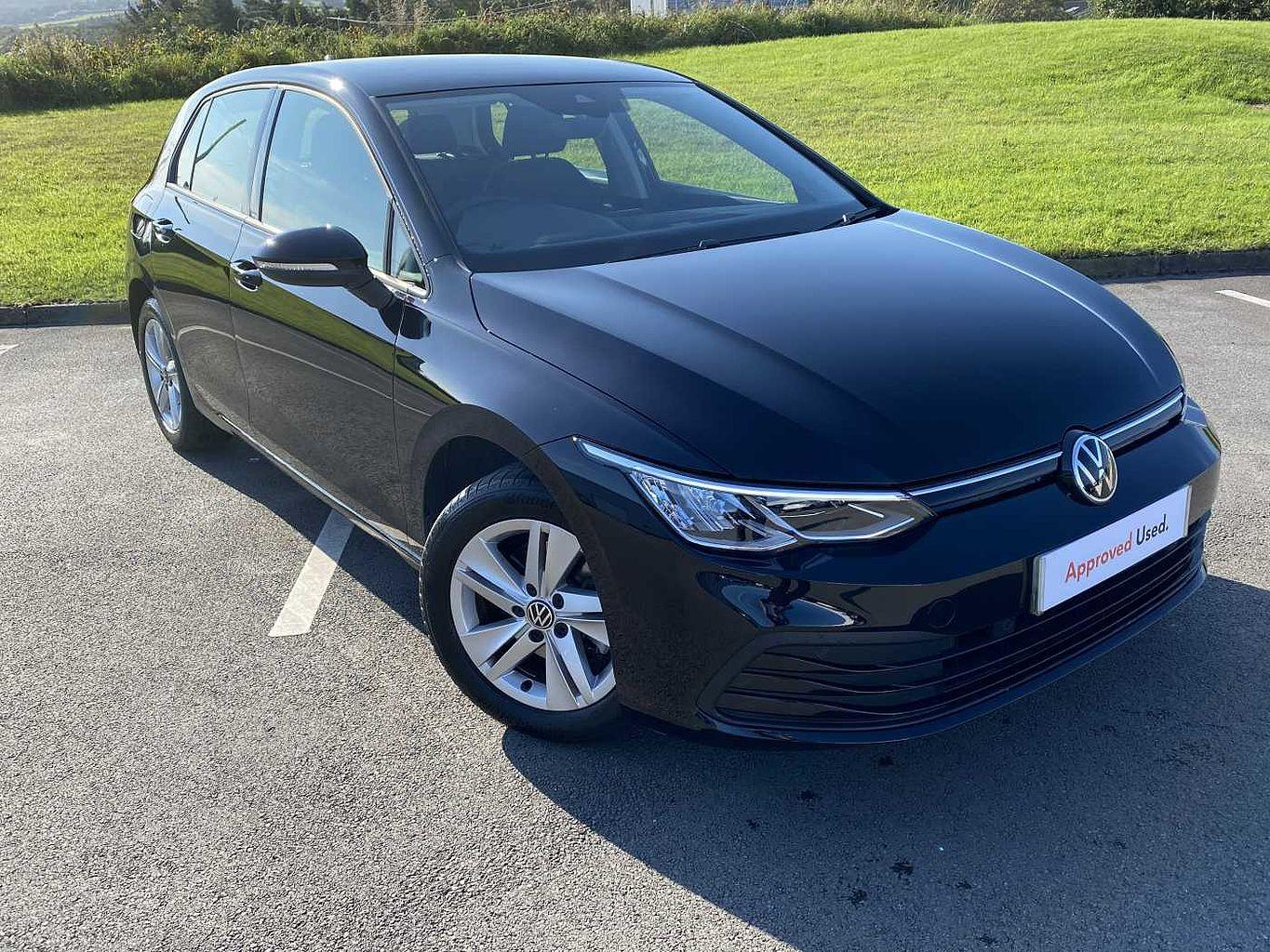 Volkswagen Golf MK8 Hatchback 5-Dr 1.5 TSI (130ps) Life EVO Hatchback Petrol Deep black