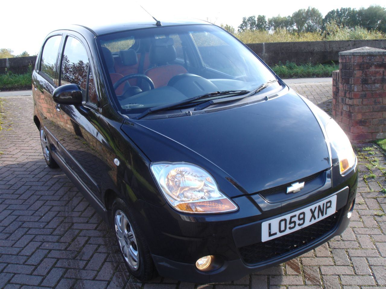 Chevrolet Matiz 1.0 SE PLUS 5dr Hatchback Petrol Metallic Black at Level Pitch Selby