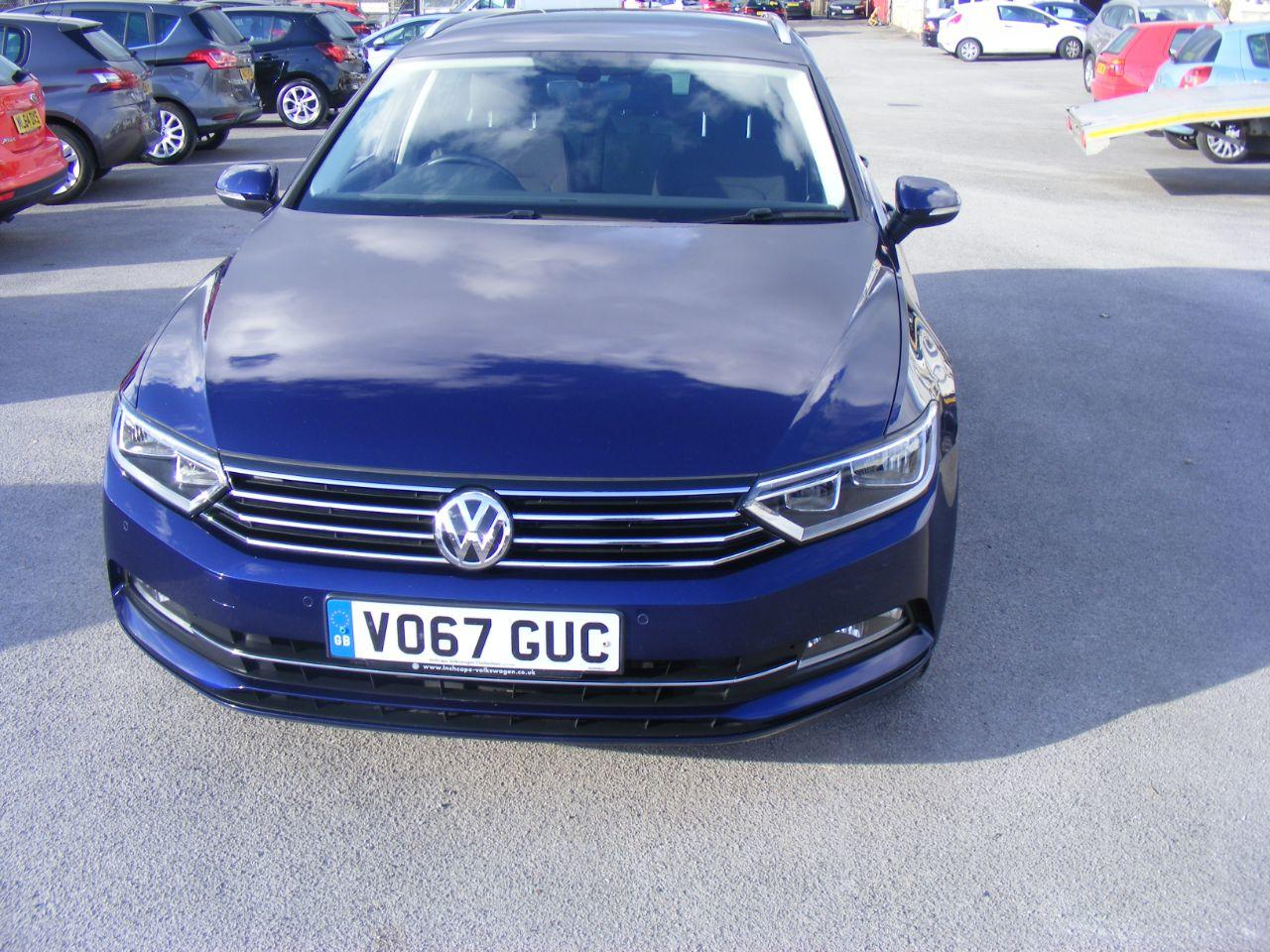 Volkswagen Passat 2.0 PASSAT SE BUSINESS TDI BMT Estate Diesel Blue