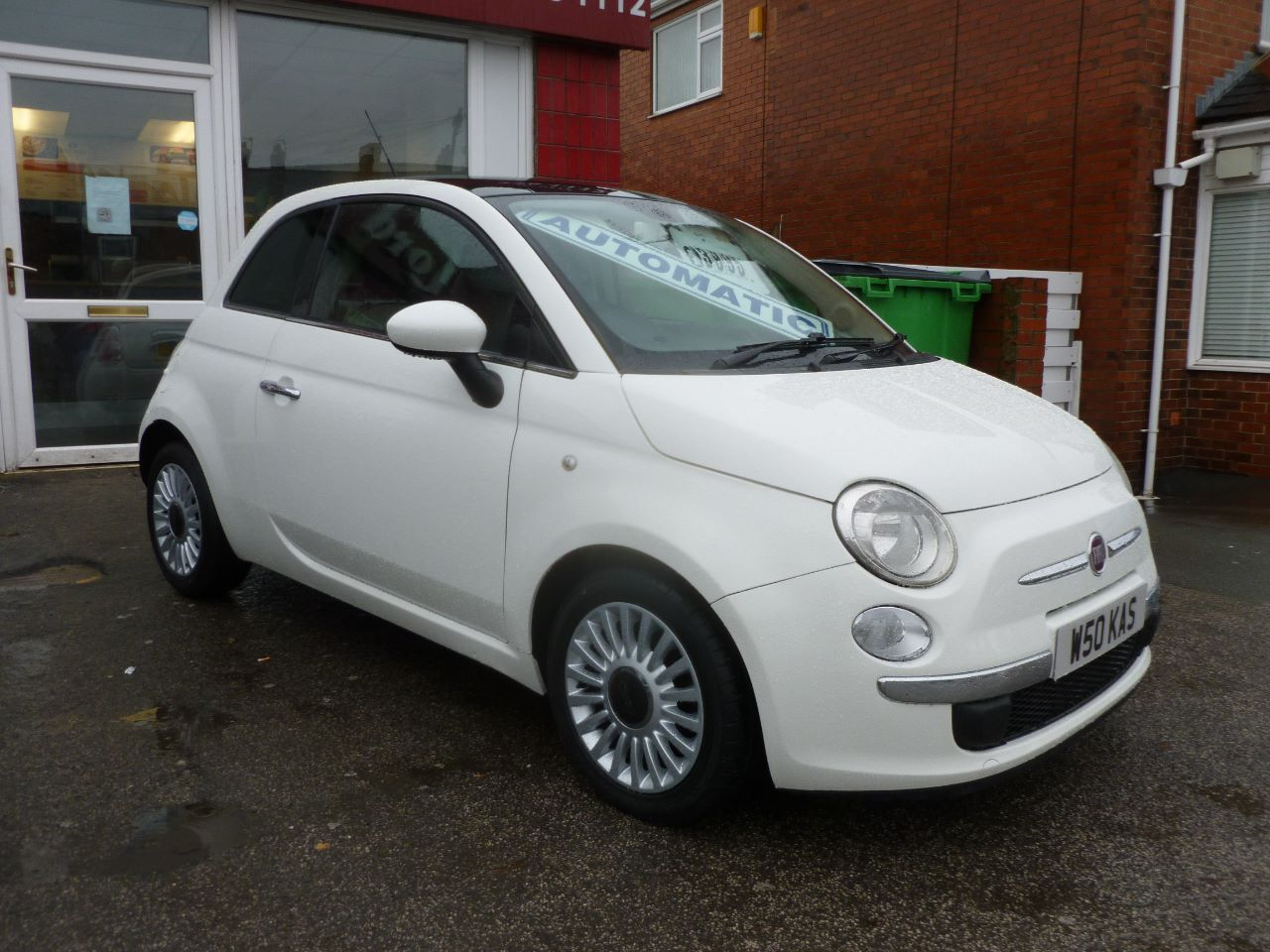 Fiat 500 1.2 Lounge 3dr Hatchback Petrol White at AJM Autos Leeds Leeds