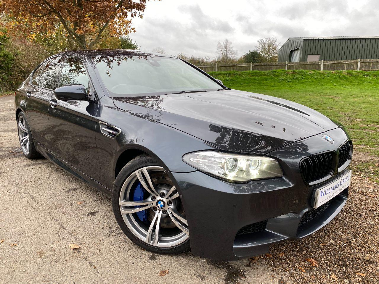 BMW M5 4.4 M5 4dr DCT (20in Alloys! Surround View! ++) Saloon Petrol Singapore Grey Metallic