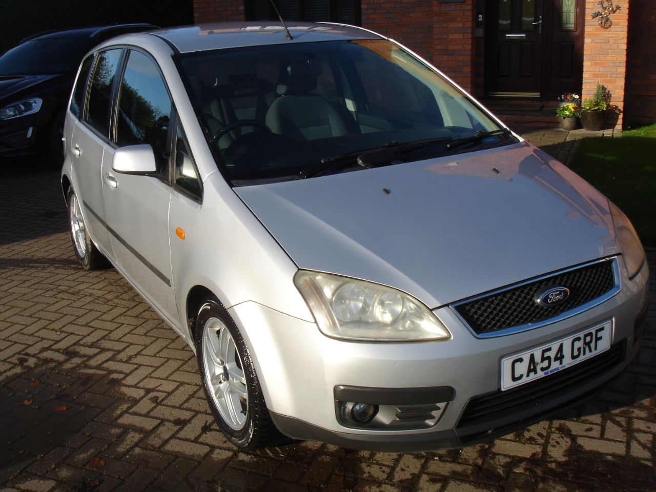 Ford Focus C-MAX 1.6 TDCi Zetec 5dr MPV Diesel Silver at Level Pitch Selby