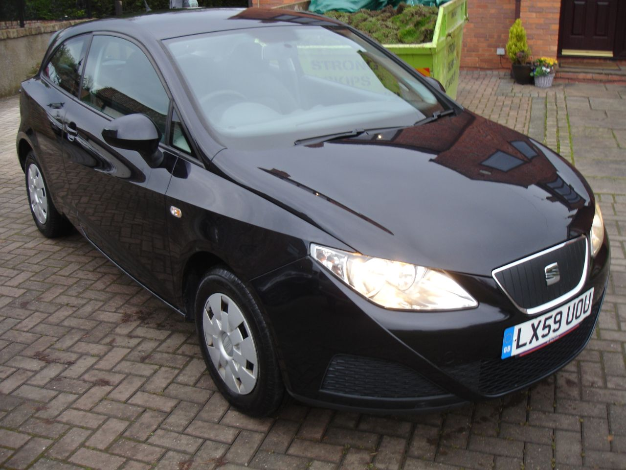 SEAT Ibiza 1.4 TDI 80ps Ecomotive 3dr Hatchback Diesel Black at Level Pitch Selby