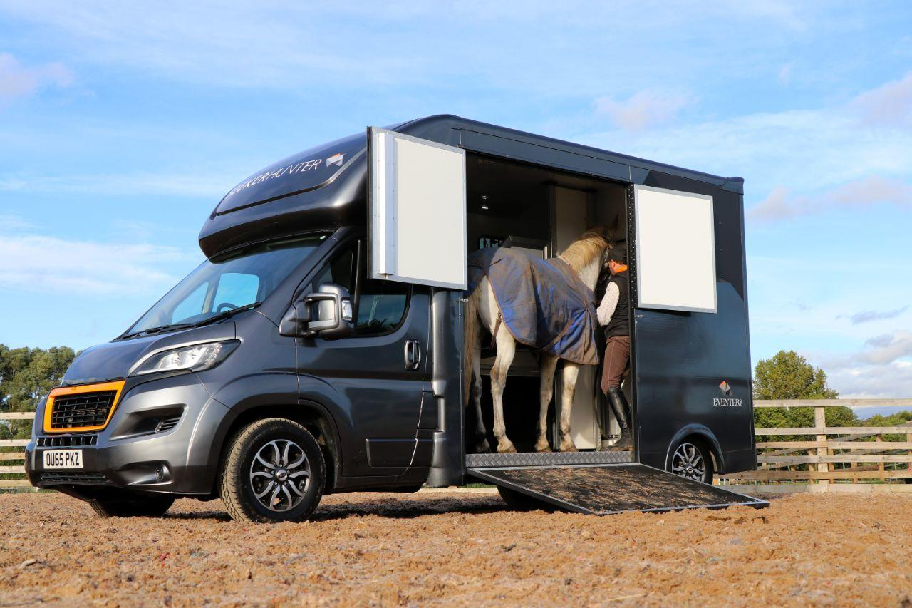 Peugeot Boxer 2.2 3.5 ton  Horse Box High spec with sat nav air con 3.5 ton with 1100 payload Horsebox Diesel Grey