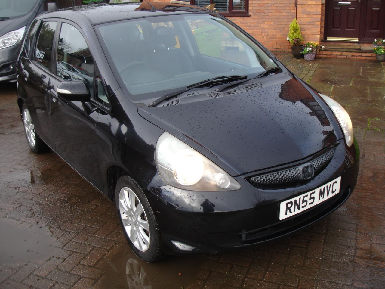 Honda Jazz 1.4 i-DSi SE 5dr Acon Hatchback Petrol Black at Level Pitch Selby