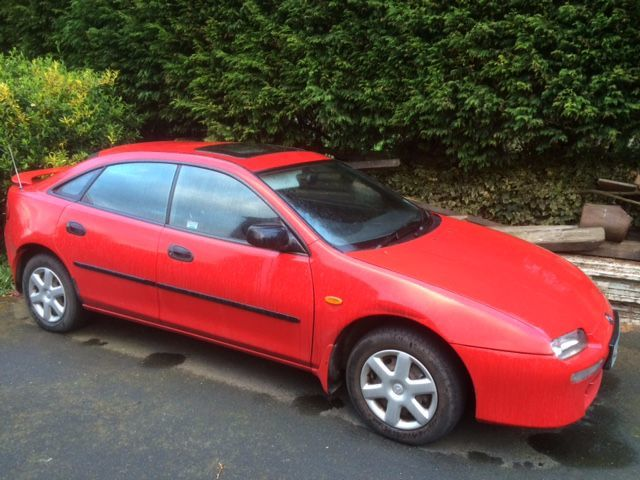Mazda 323 1.8 EXECUTIVE Hatchback Petrol Red