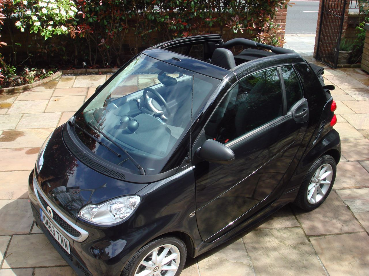 Smart Fortwo Cabrio 1.0 Passion mhd 2dr Softouch Auto [2010]