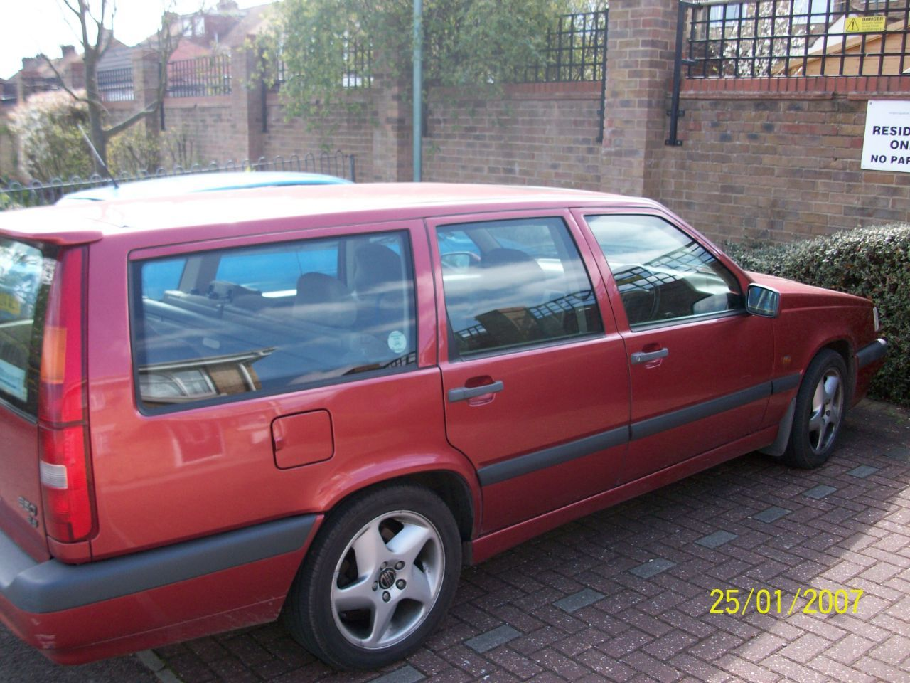 Volvo 850 2.4 850 GLT10V ESTATE PETROL RED