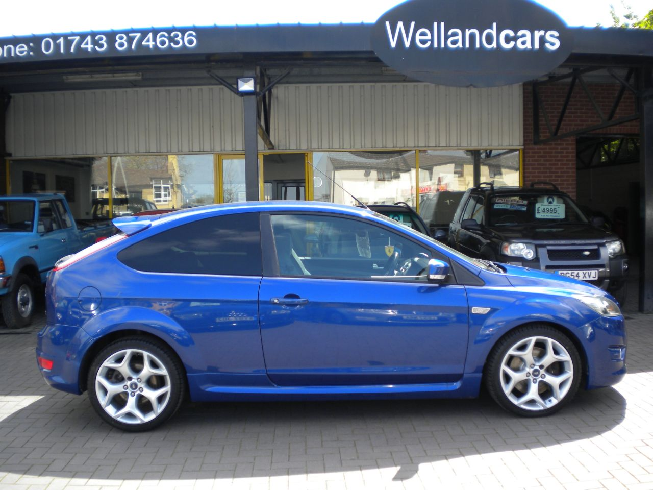 Ford Focus 2.5 ST-2 3dr Turbo 6 Speed Manual,Full Ford History,Bluetooth,18`Alloys Hatchback Petrol Blue at Welland Cars Shrewsbury
