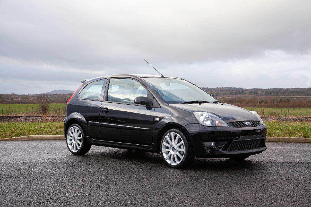 Ford Fiesta 2.0 ST 1 Owner 9000 Miles The Best Available Hatchback Petrol Black