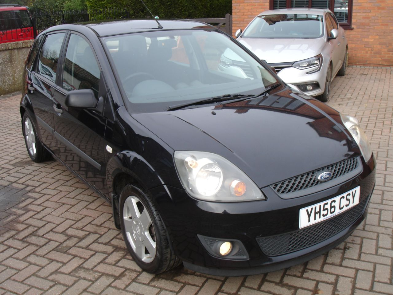 Ford Fiesta 1.4 TDCi Zetec 5dr [Climate] Hatchback Diesel Metallic Black at Level Pitch Selby