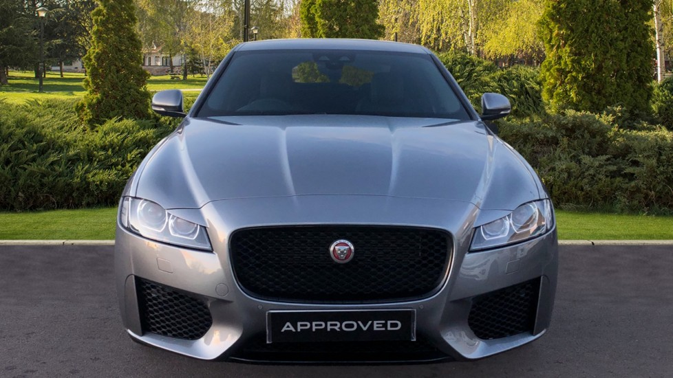 Jaguar XF 0.0 2.0d (180) Chequered Flag AWD