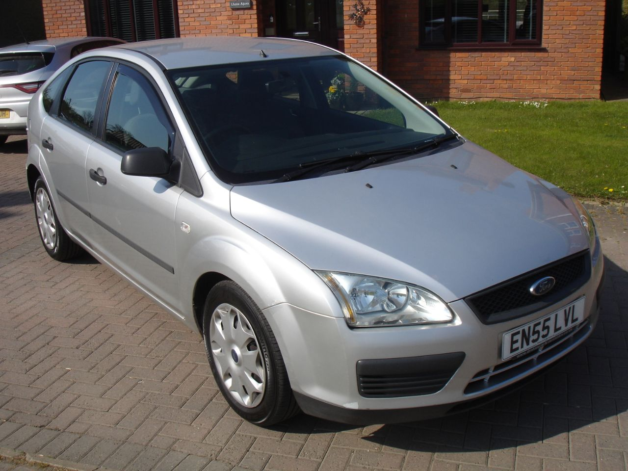 Ford Focus 1.8 TDCi LX 5dr [Euro 4] Hatchback Diesel Silver at Level Pitch Selby