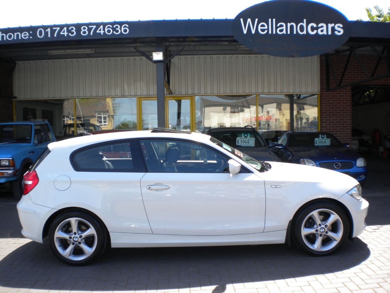 BMW 1 Series 116d Sport 3dr 2.0L Turbo Diesel 6 Speed Manual,F/S/H. Only 1 Owner, Sunroof, Only £30 Tax ! Hatchback Diesel White at Welland Cars Shrewsbury
