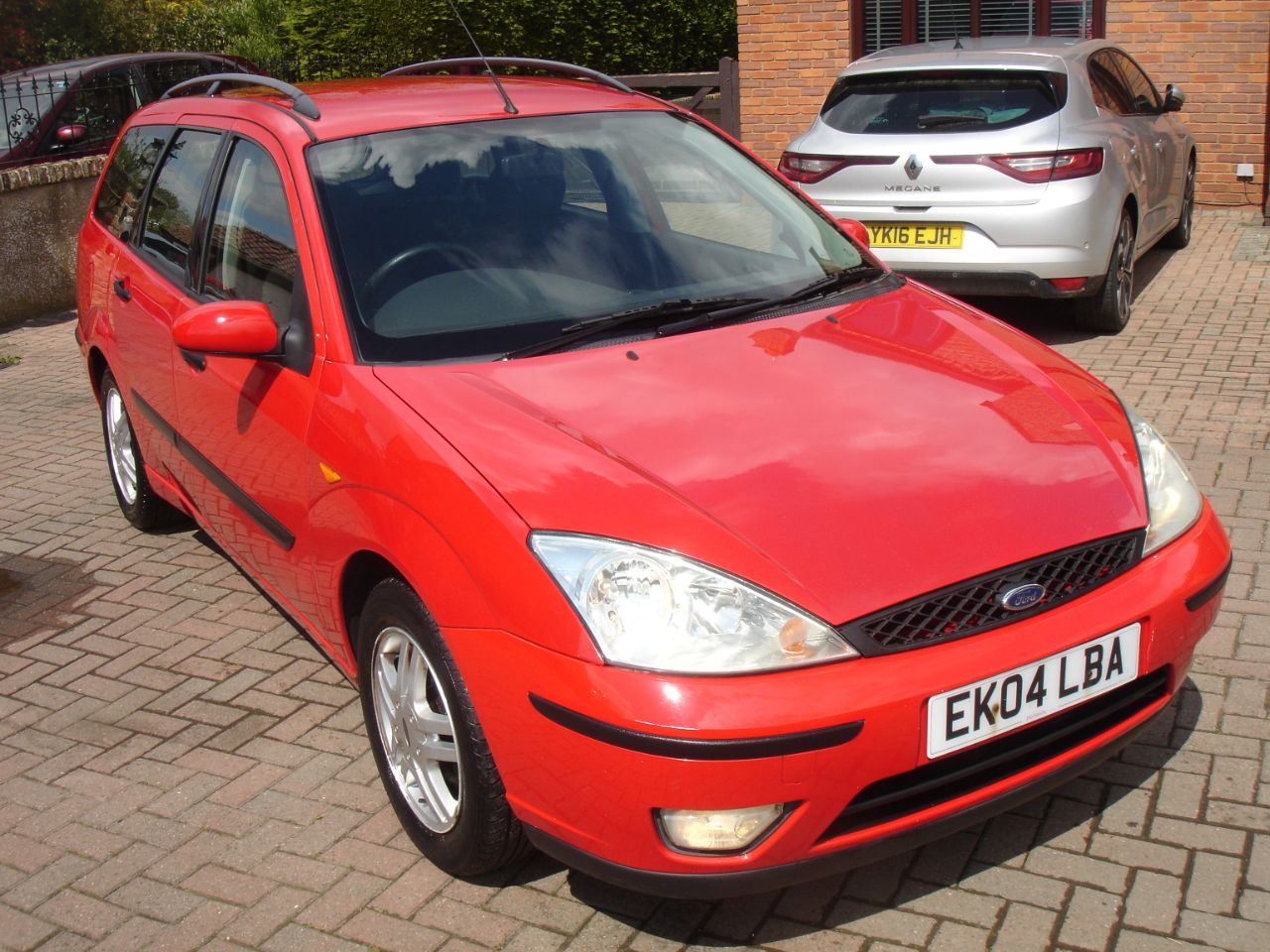 Ford Focus 1.6 Zetec Estate 5dr Estate Petrol Solid Red at Level Pitch Selby