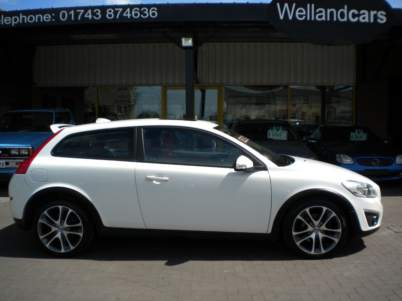 Volvo C30 2.0 D3 [150] SE Lux 3dr 6 Speed Manual, Full Volvo Service History, 1 Owner, Sunroof, 17`Alloys Hatchback Diesel White at Welland Cars Shrewsbury