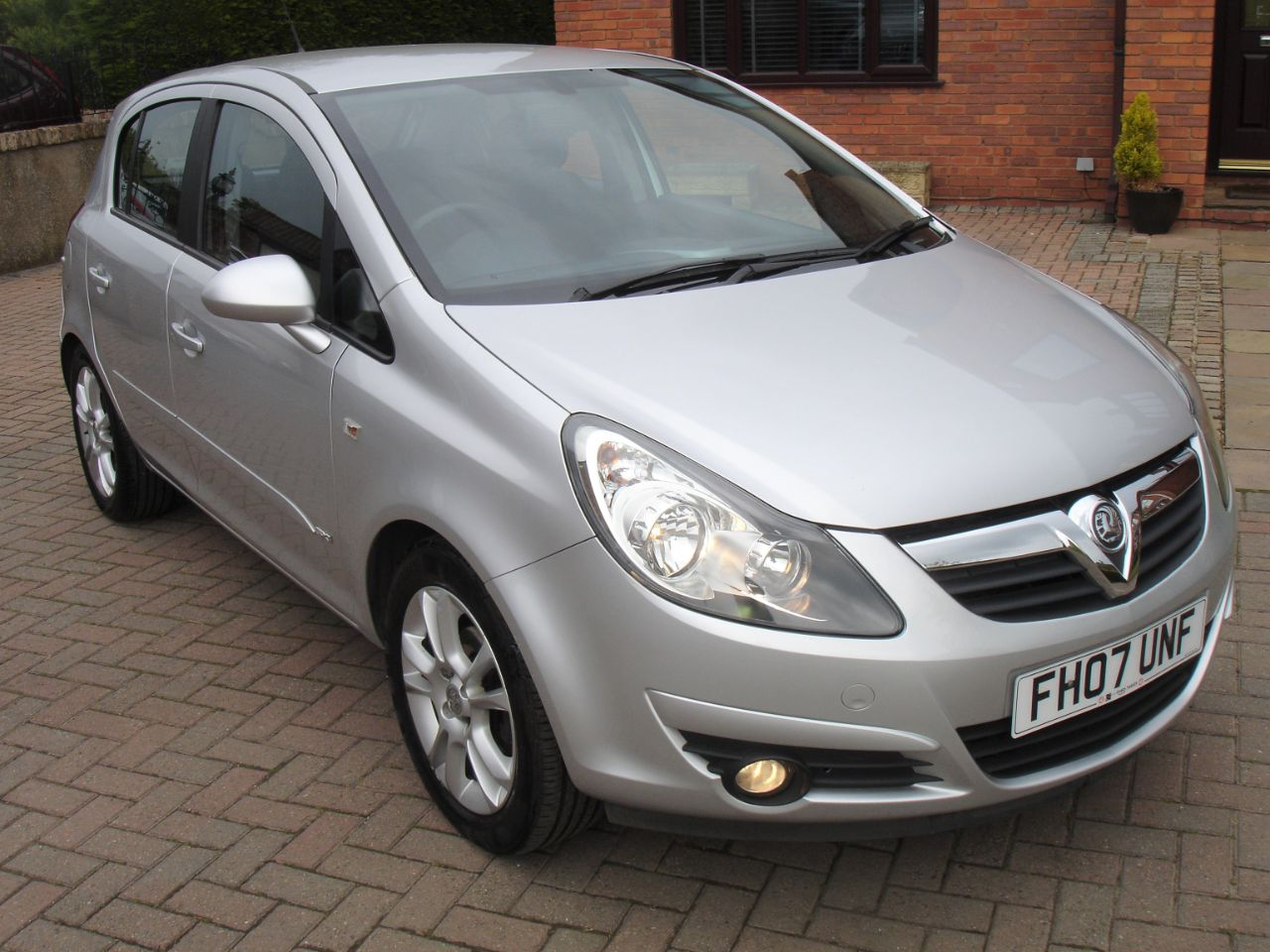 Vauxhall Corsa 1.2i 16V SXi 5dr [AC] Hatchback Petrol Star Silver Metallic at Level Pitch Selby
