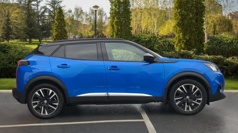 Peugeot 2008 SUV 100kW GT Line 50kWh