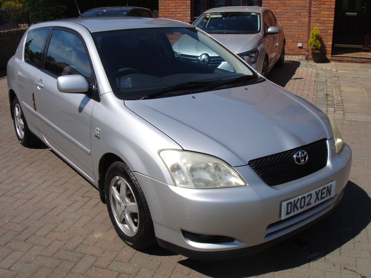 Toyota Corolla 1.4 VVT-i T3 3dr Hatchback Petrol Silver at Level Pitch Selby