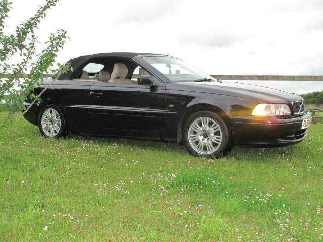 Volvo C70 2.0 T 2dr Convertible Petrol Black