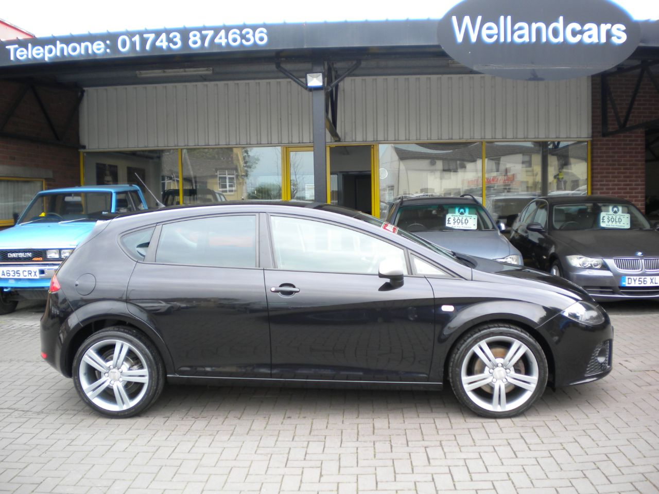 Seat Leon 2.0 16V TDI FR 5dr 6 Speed Manual Diesel,F/S/H,18`Alloy Wheels, Cruise Control, Awesome Performance Hatchback Diesel Black at Welland Cars Shrewsbury