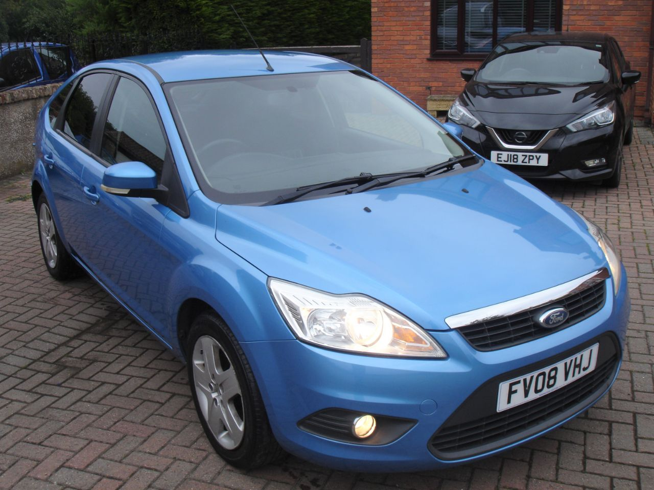 Ford Focus 1.8 TDCi Style 5dr Hatchback Diesel Metallic Blue at Level Pitch Selby