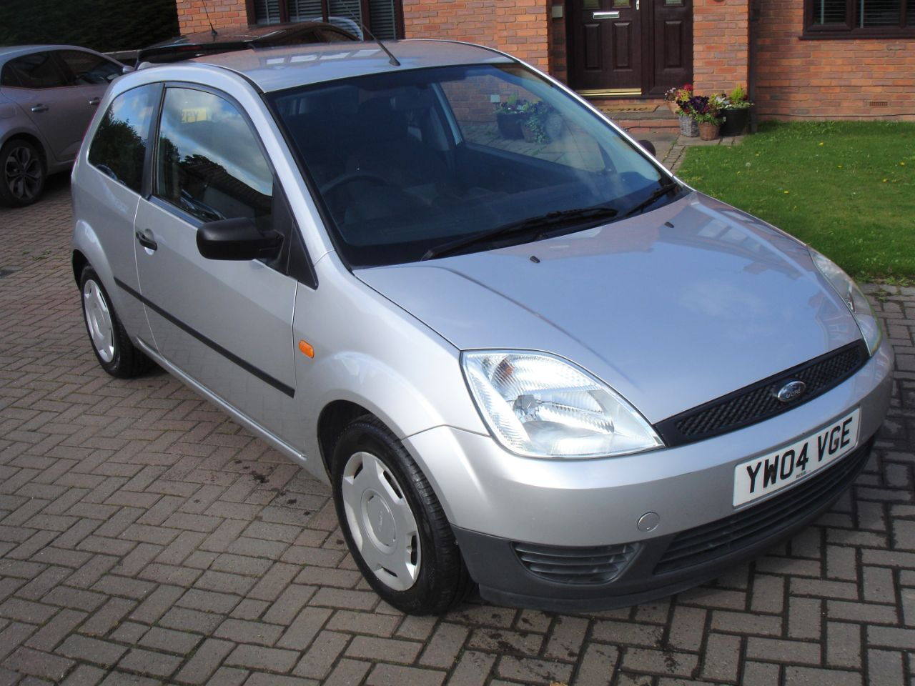 Ford Fiesta 1.25 Finesse 3dr Hatchback Petrol Moondust Silver at Level Pitch Selby