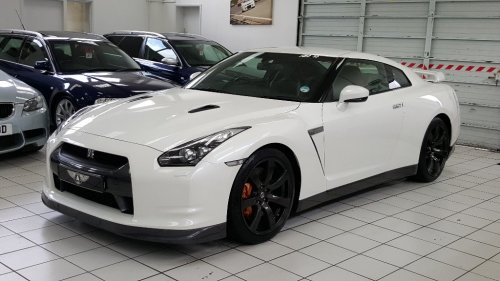Nissan GT-R 3.8 V6 Black Edition 2dr Coupe Petrol White