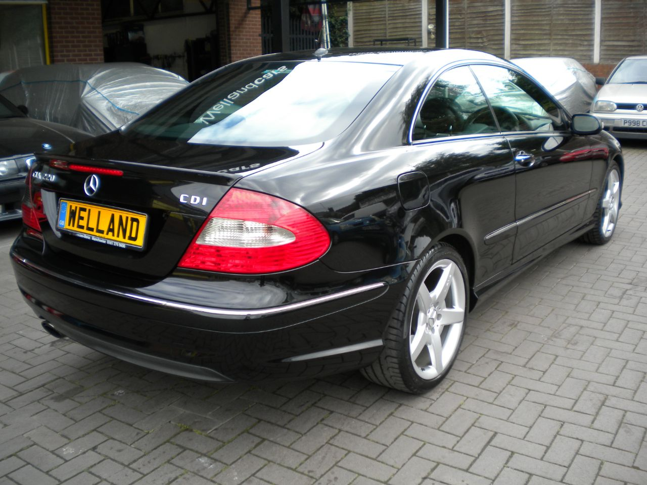 second hand mercedes benz clk 220 cdi sport 2dr auto f s h nav 18 amg alloys leather 15 month. Black Bedroom Furniture Sets. Home Design Ideas