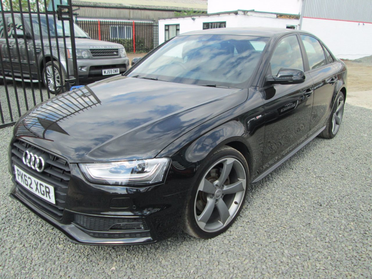 Audi A4 2.0 TDI 143 Black Edition 4dr Multitronic Saloon Diesel Black