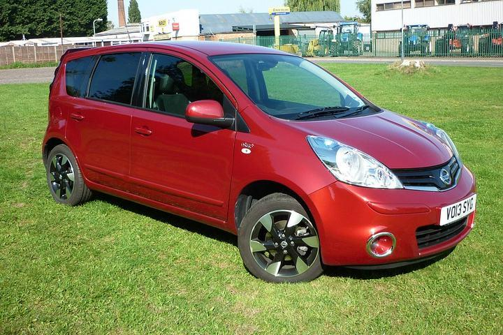 Nissan Note 1.4 N-Tec+ Hatchback Petrol Metallic - Emotion red